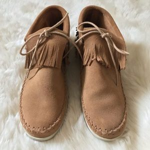 Minnetonka Leather Moccasin Sneakers